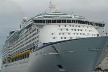 Caribbean cruise ship returns to port after norovirus outbreak